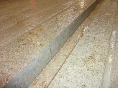 Découpe béton pour racleur automatique - AgriRainurage - P1020377